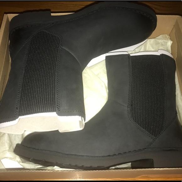 03b0d29f7b0 UGG LARRA Nubuck Boots Boutique